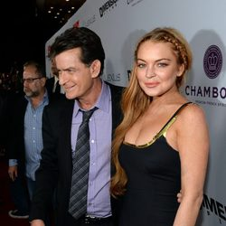 Lindsay Lohan y Charlie Sheen en la premiere de 'Scary Movie 5'