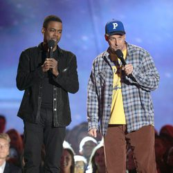 Chris Rock y Adam Sandler en la gala de los MTV Movie Awards 2013