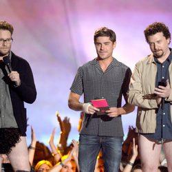 Seth Rogen, Zac Efron y Danny McBride en la gala de los MTV Movie Awards 2013