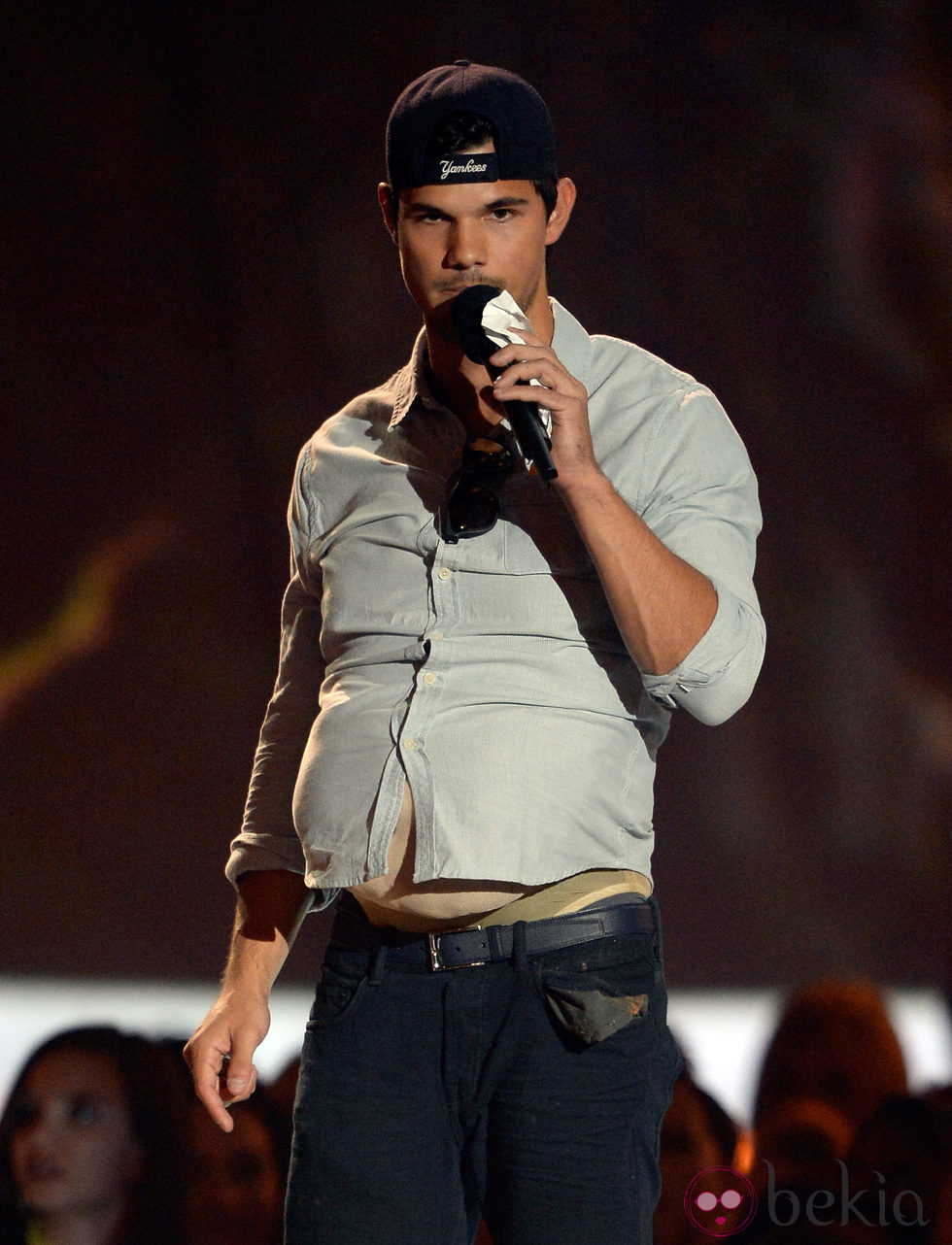 Taylor Lautner en la gala de los MTV Movie Awards 2013