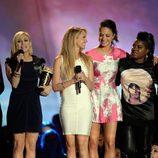 El reparto de 'Dando la nota' en la gala de los MTV Movie Awards 2013