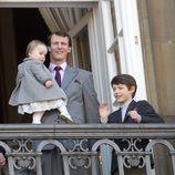 Joaquín, Athena y Félix de Dinamarca en el 73 cumpleaños de la Reina Margarita