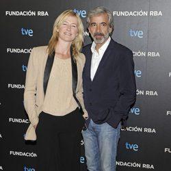 Ana Duato e Imanol Arias en la presentación del libro 'Cuéntame: Ficción y realidad'