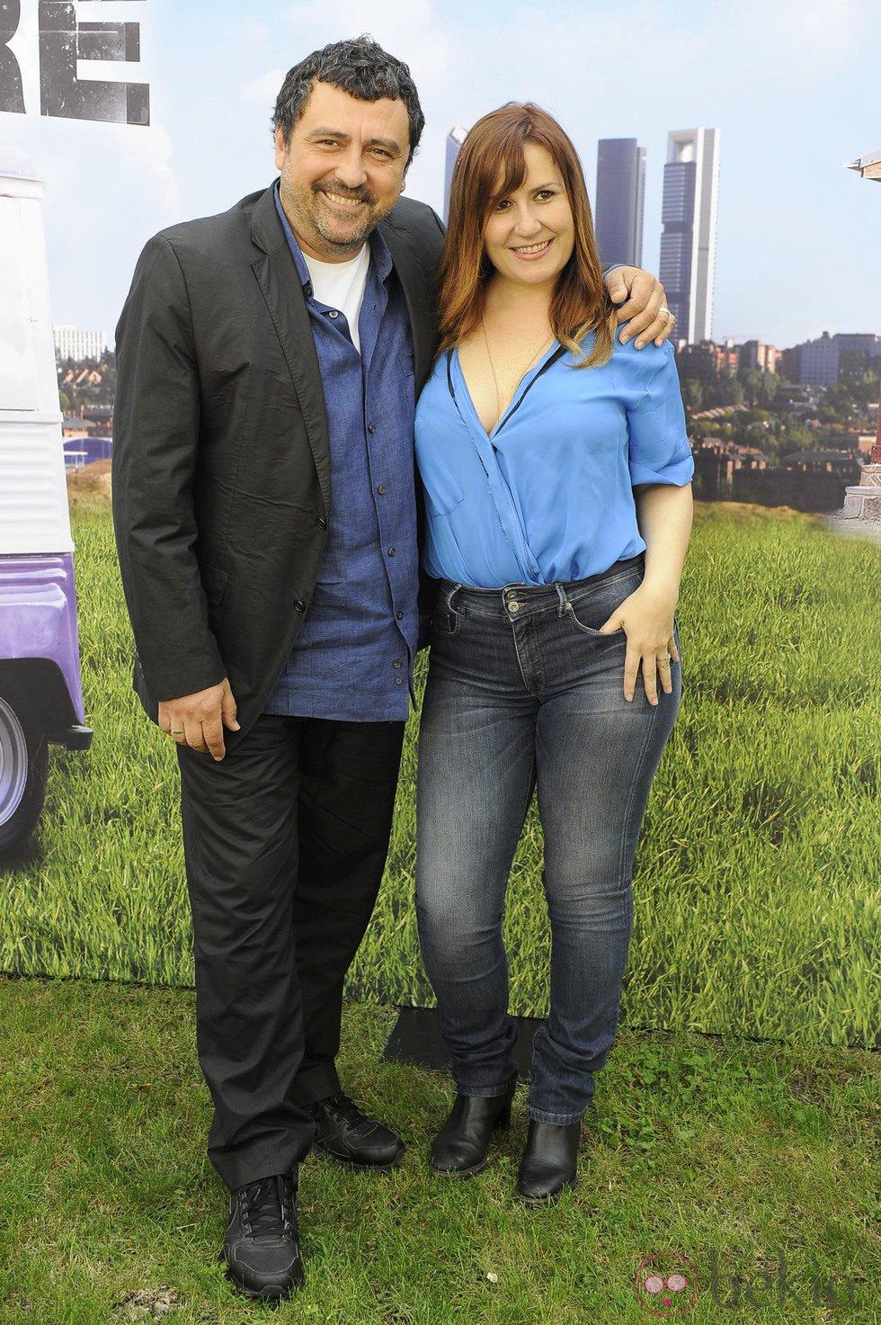 Paco Tous y Natalia Roig en el estreno de la segunda temporada de 'Con el culo al aire'
