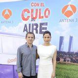 Iñaki Miramon y Toni Acosta en el estreno de la segunda temporada de 'Con el culo al aire'