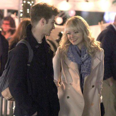 Andrew Garfield y Emma Stone, muy sonrientes en el rodaje de 'The Amazing Spider-Man 2'