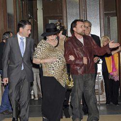 Marujita Díaz y José Manuel Parada en el funeral de Sara Montiel
