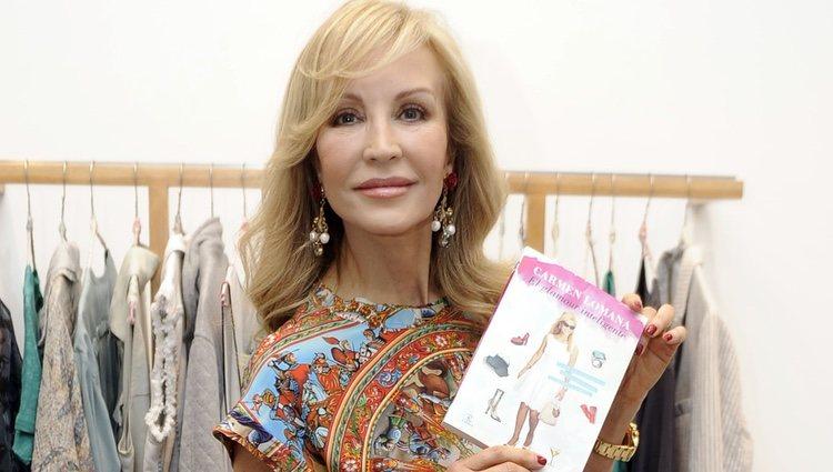 Carmen Lomana presenta su libro 'El glamour inteligente'