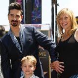 Kevin Richardson junto a su familia en el Paseo de la Fama de Hollywood