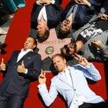 Los Backstreet Boys junto a su estrella del Paseo de la Fama de Hollywood