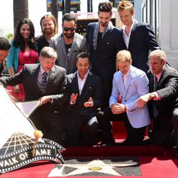 Los Backstreet Boys colocan su estrella en el Paseo de la Fama de Hollywood