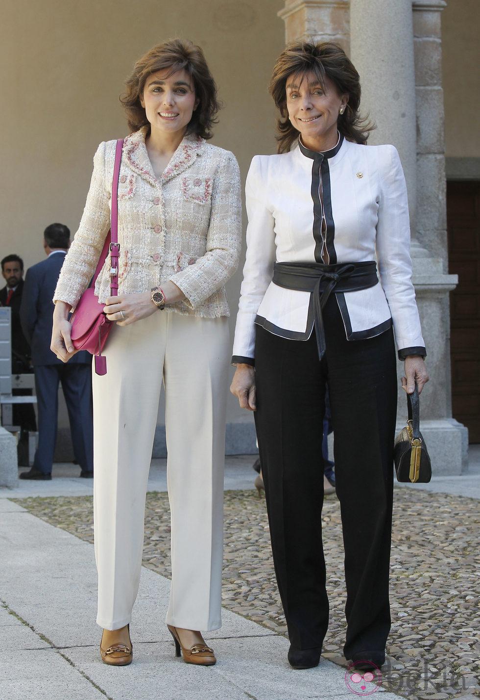 Paloma Segrelles madre e hija en la entrega del Premio Cervantes 2012