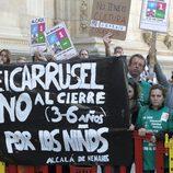 Protestas contra los recortes en la entrega del Premio Cervantes 2012