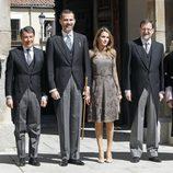 Los Príncipes de Asturias con Mariano Rajoy, Ignacio González y el alcalde de Alcalá de Henares