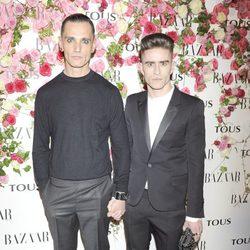 David Delfín y Pelayo Díaz en la fiesta de presentación del perfume 'Rosa'