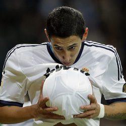 Ángel Di María dedica un gol a su mujer embarazada