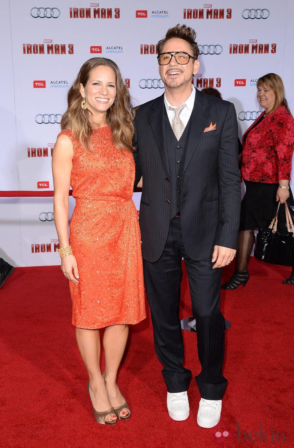 Robert Downey Jr. y su mujer Susan en el estreno de 'Iron Man 3' en Los Ángeles