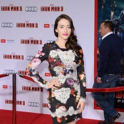 Kat Dennings en el estreno de 'Iron Man 3' en Los Ángeles