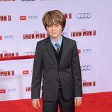 Ty Simpkins en el estreno de 'Iron Man 3' en Los Ángeles