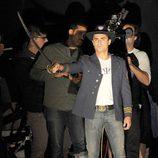 Zac Efron saca su espada en el rodaje de la película 'Townies'