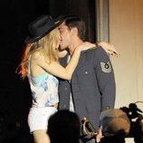 Zac Efron besa a Halston Sage en el rodaje de la película 'Townies'