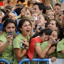 Fervientes seguidores del Papa lloran a su paso por Madrid