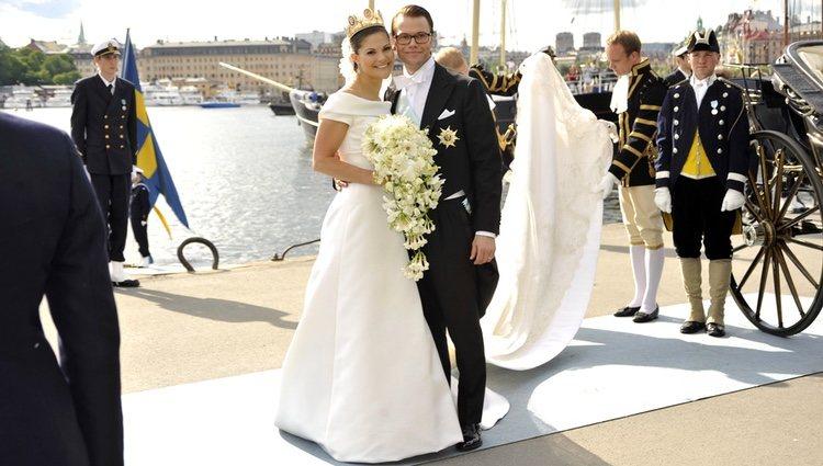 Los Príncipes Victoria y Daniel de Suecia posan felices tras casarse en 2010