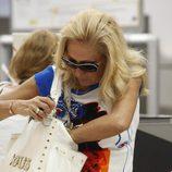 Rosa Benito en Barajas antes de viajar a Miami
