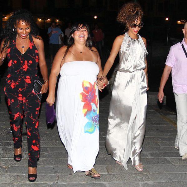 Rihanna disfruta de unas vacaciones con amigas en Portofino
