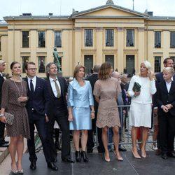 Los Príncipes de Suecia, Rosario Nadal, Marta Luisa y Ari Behn y Haakon y Mette Marit en el 10 aniversario de Haakon y Mette Marit