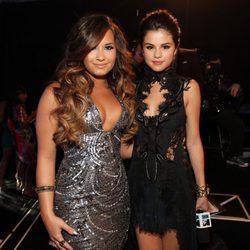 Demi Lovato y Selena Gomez en los MTV Video Music Awards 2011