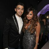 Joe Jonas y Demi Lovato en los MTV Video Music Awards 2011