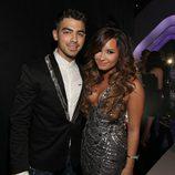 Joe Jonas y Demi Lovato en los MTV Video Music Awards 2011