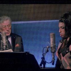 Tony Bennett y Amy Winehouse en unas imágenes de la gala de los VMA 2011