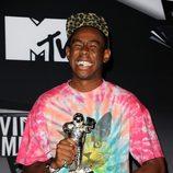 Tyler the Creator posa con su premio en los MTV Video Music Awards 2011