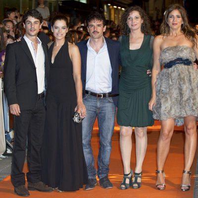 Alejo Sauras, Mariona Ribas, Raúl Peña, Marta Belaustegui y Lucía Jiménez en el estreno de 'La República'