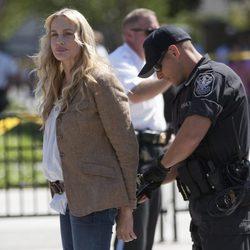 Daryl Hannah detenida por un policía en Washington