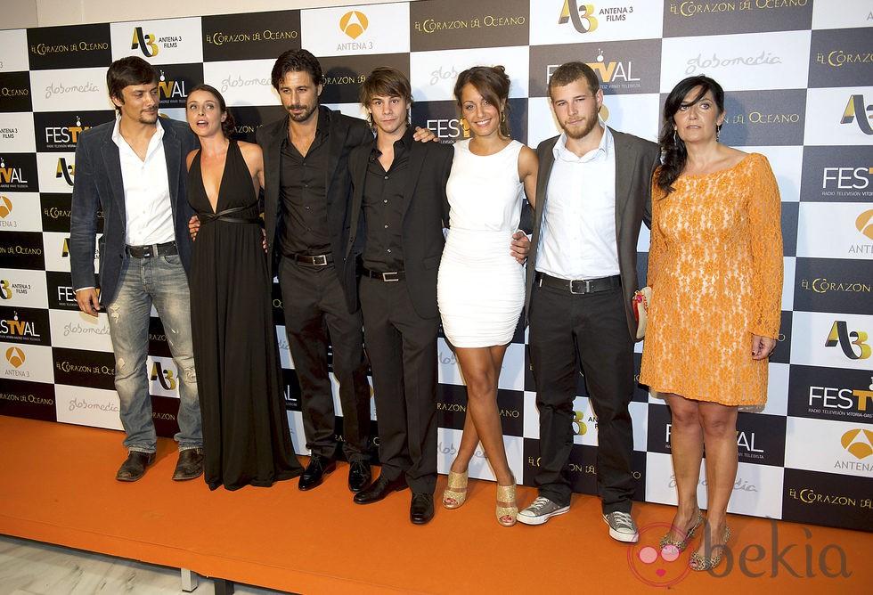 Los protagonistas de 'El corazón del océano' estrenan la serie en el FesTVal de Vitoria