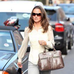 Pippa Middleton pasea por Londres ajena a la multa que le espera