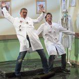 Antonio Banderas y Pablo Motos reciben varios disparos en 'El hormiguero'