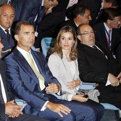 Los Príncipes de Asturias presiden el XXV Encuentro de las Telecomunicaciones