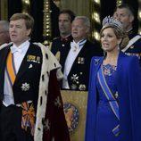 El Rey Guillermo Alejandro y su mujer Máxima de Holanda durante la investidura