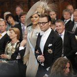 Los príncipes Daniel y Victoria de Suecia en la ceremonia de investidura de Guillermo Alejandro de Holanda