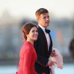 Federico y Mary de Dinamarca en la cena de gala por la coronación de Guillermo Alejandro de Holanda