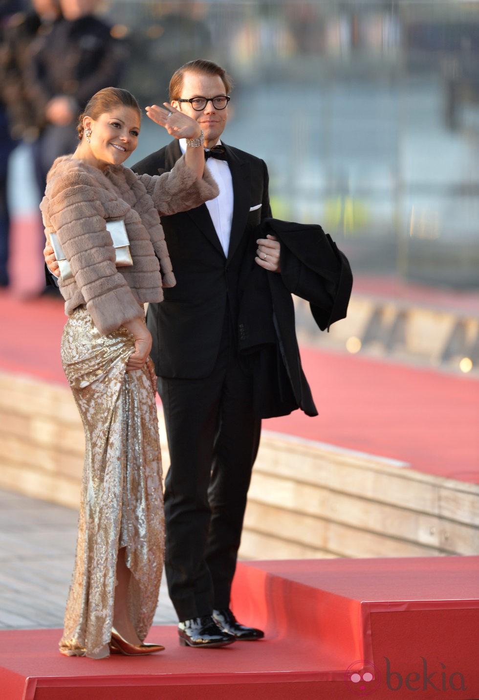 Victoria y Daniel de Suecia en la cena de gala por la coronación de Guillermo Alejandro de Holanda