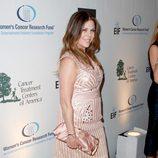 Rita Wilson en la 16ª gala de Investigación del Cáncer de Mujeres