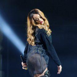 Rihanna durante su actuación en el TD Garden de Boston