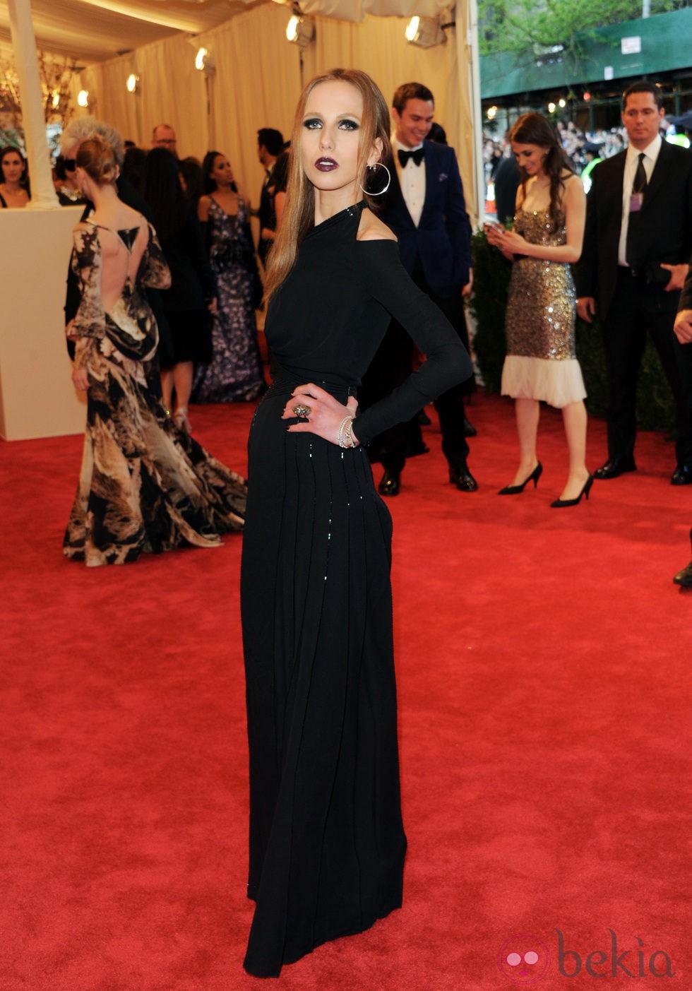 Allegra Versace en la Gala del MET 2013