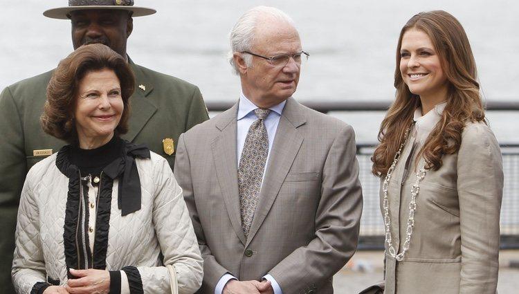 Los Reyes Carlos Gustavo y Silvia de Suecia y la Princesa Magdalena en Suecia en Nueva York