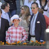 Jaime de Marichalar con su hijo Froilán en la final del Open de Madrid 2013
